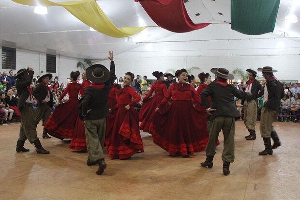 Dança tradicional gaúcha do Mato Grosso do Sul