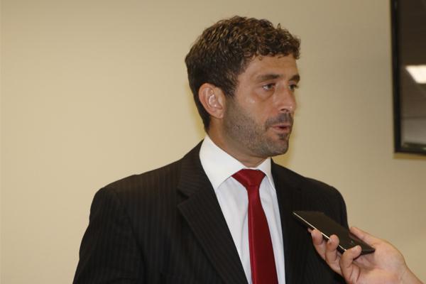 Fernando Cury é pós-graduado em Direito do Estado, pela PUC de SP/ESA, e em Direito Processual Civil, pela UNAES. Mestre em Processo Penal e Garantismo, pela Universidade de Girona/Espanha