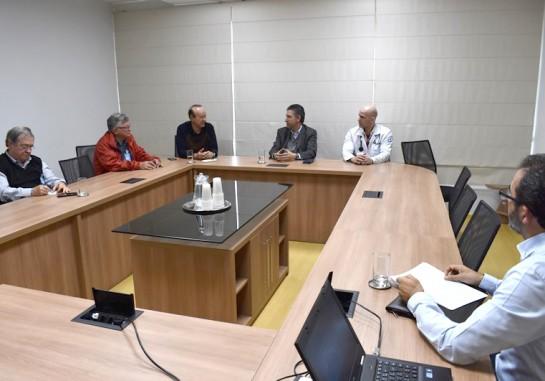 Após a reunião o presidente solicitou aos técnicos da instituição que iniciem imediatamente um processo de avaliação das necessidades do hospital para os procedimentos