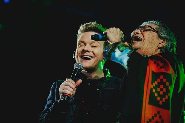 Cantor se apresentou durante o 19º Festival de Bonito na quinta-feira (26). (