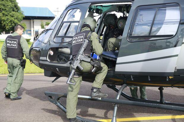 Helicóptero da PM faz patrulhamento na região