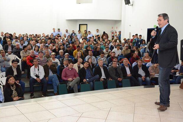 Evento em Naviraí trouxe palestras com especialistas em criação e mercado de tilápias e deu o ponta pé inicial no projeto da Cooperativa