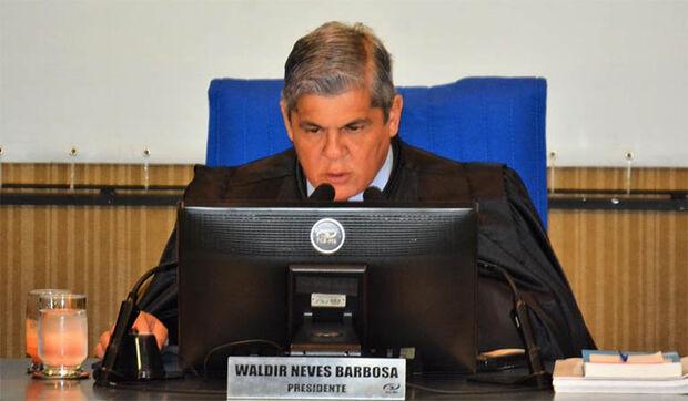 Waldir Neves, presidente do TCE-MS, diz que o tribunal 'confia na retidão e no caráter do seu membro'