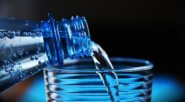Segundo o especialista, 72% do nosso organismo é composto de água, o que torna o seu consumo ainda mais importante.