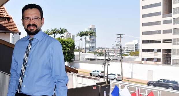 Advogado especialista em direito público e direito privado, Jully Heyder da Cunha Souza pré-candidato à Presidência da OAB/MS