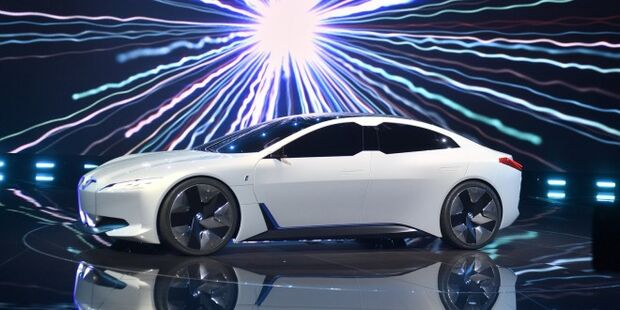 Carros híbridos e elétricos será os centro das atenções do Salão de SP