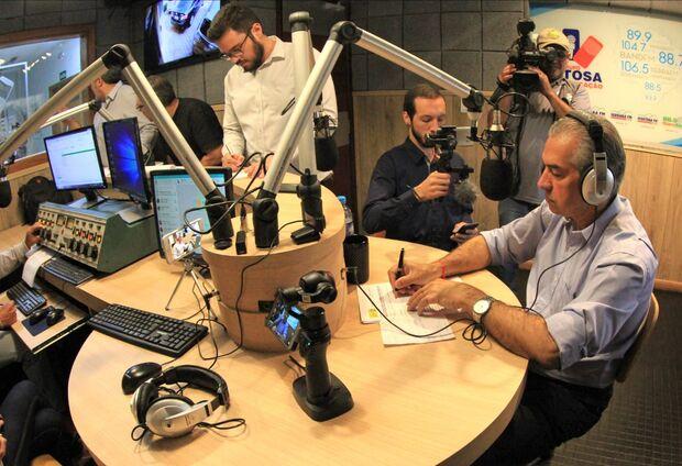 Candidato Reinaldo Azambuja, do PSDB, participou de entrevista do programa Giro Estadual de Notícias na manhã desta quarta-feira (10).