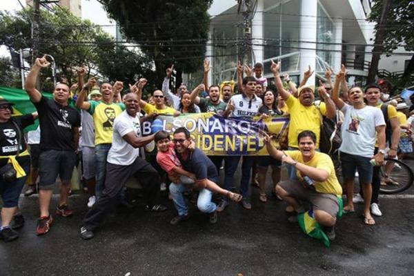 Manifestantes voltam às ruas no domingo em favor de Bolsonaro