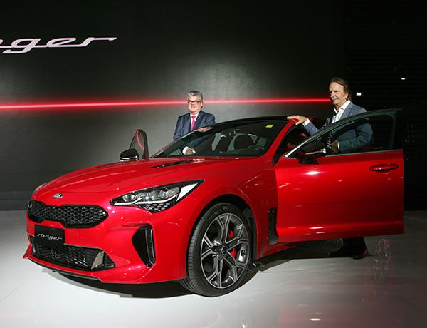 Sportage, com facelift, mantém status de carro-chefe da marca
