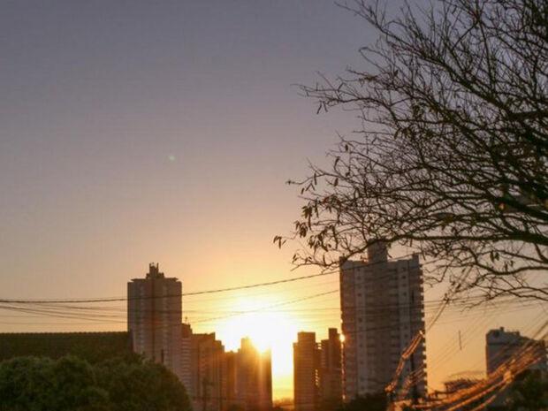 A temperatura mínima prevista para Campo Grande é de 20º e a máxima deve chegar aos 30º.