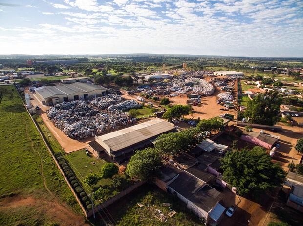 O grupo SIRKA adquiriu 100% das ações da Repram em agosto de 2015 e ampliou os investimentos em capacitação técnica e capacidade de industrialização de recicláveis.