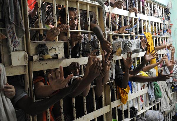 Além disso, no Rio Grande do Norte e em Roraima há presos apontados pelos peritos como desaparecidos, pois estavam na prisão no momento dos massacres