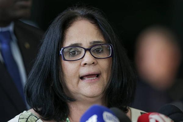 Sobre os povos isolados, cujas práticas de proteção estão em vigor desde os anos 1980, ela disse que questiona a política atual.