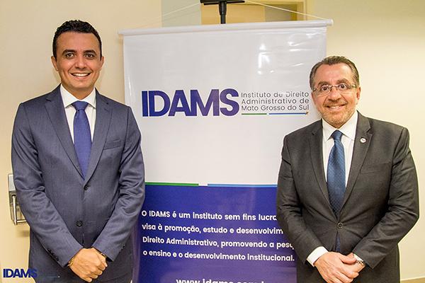 O presidente do IDAMS reforça que, em virtude do trabalho de Mansour Karmouche, o exercício da advocacia foi valorizado