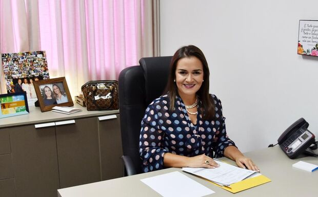 A vice-prefeita Adriane Lopes assume interinamente a prefeitura de Campo Grande até 13 de janeiro de 2019