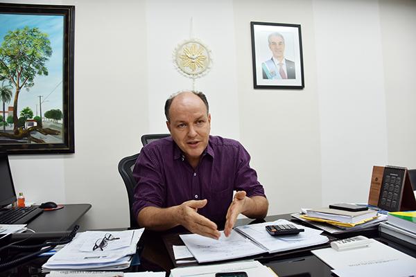 O advogado Oswaldo Mochi Junior, mais conhecido como Junior Mochi, está em seu 3º mandato como deputado estadual e exercendo pela 2ª vez a Presidência da Assembleia Legislativa