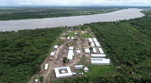 Canteiro da obra da estrada no Parsaguai onde será construída a ponte sobre o Rio Paraguai.