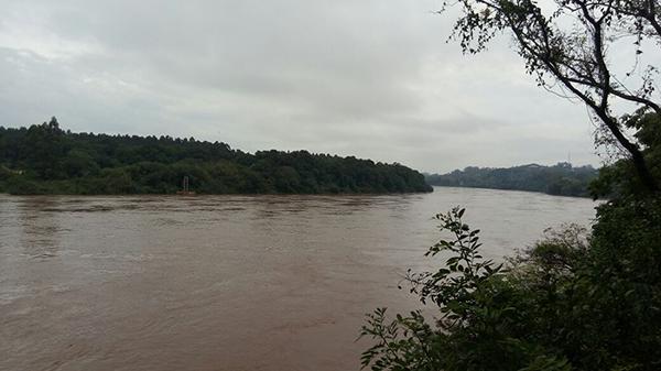 Até o final da semana estão previstas pancadas de chuva por todo o Mato Grosso do Sul, o que pode elevar ainda mais o nível dos rios deixando a Defesa Civil em alerta sobre risco de inundações