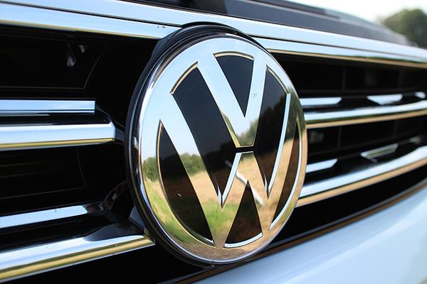 As montadoras prometem muitas novidades para este ano. Uma delas é o utilitário-esportivo T-Cross, da Volkswagen, que será lançado até março