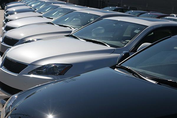Do total das vendas no ano passado, 2,472 milhões de unidades foram de automóveis e comerciais leves, 13,6% acima do resultado de 2017