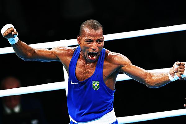 Robson Conceição, campeão olímpico no Rio/2016, luta no próximo dia 18, em Verona, estado de Nova York, nos Estados Unidos, e tem como meta desafiar um campeão dos penas, uma categoria abaixo na qual se apresenta atualmente