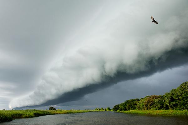 O sábado (12.01) poderá ser de céu nublado com pancadas de chuva e trovoadas isoladas em Mato Grosso do Sul