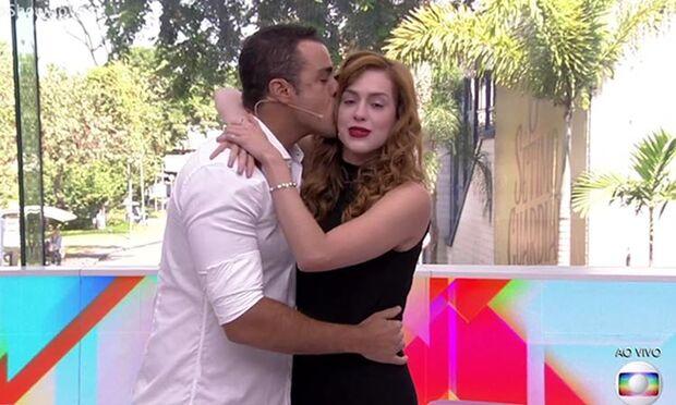 A edição começou sem um grande clima de despedida, com os apresentadores Joaquim Lopes e Sophia Abrahão dançando e se abraçando, sem citar o fim do programa a princípio