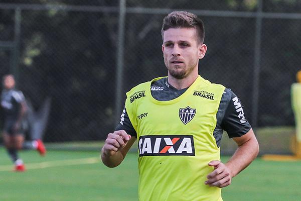 Galdezani tem os direitos ligados ao Coritiba, mas vestia a camisa do Atlético-MG desde abril do ano passado