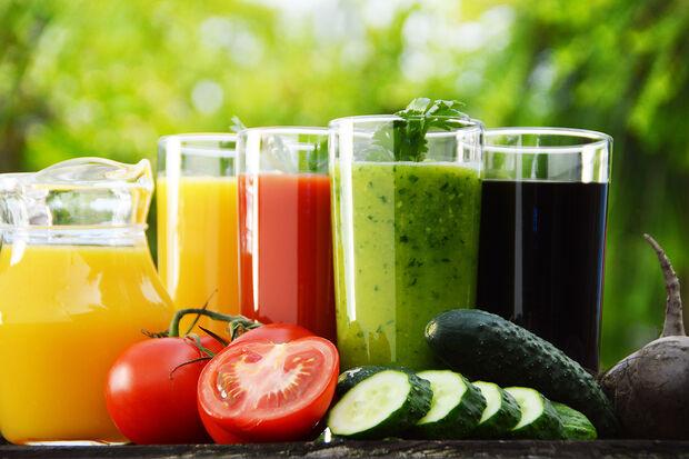 Segundo Cintya Bassi, nutricionista do Grupo São Cristóvão Saúde, essa alimentação é recomendada após períodos de consumo exagerado de comidas gordurosas, industrializadas, muito açucaradas e que contêm grandes quantidades de sal e substâncias químicas