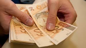 O dinheiro será depositado nas contas no dia 15