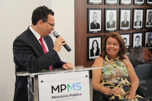 Paulo Passos destacou trabalho e competência da Procuradora Sara Francisco, que possui Esclerose Lateral Amiotrófica