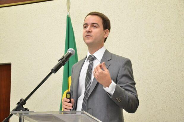 Presidente do IBDA desde 2017, o professor Fabrício Macedo Motta possui graduação em Direito pela Universidade Federal de Goiás (1998), mestrado em Direito Administrativo pela Universidade Federal de Minas Gerais (2002) e doutorado em Direito do Estado pe
