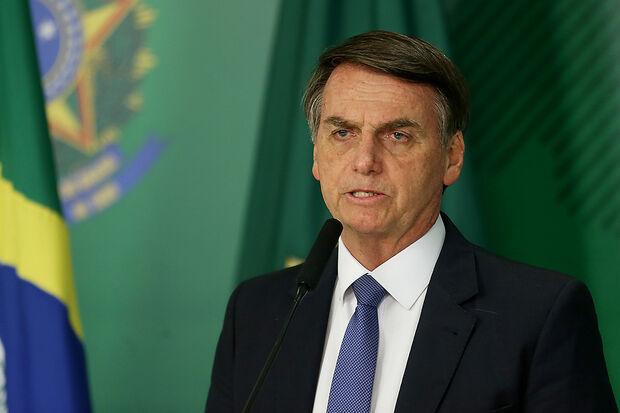 Segundo o Planalto disse na manhã desta terça-feira, 12, Bolsonaro tem aceitado bem a dieta leve. Hoje, comeu no café da manhã torrada e fruta cozida e tomou chá