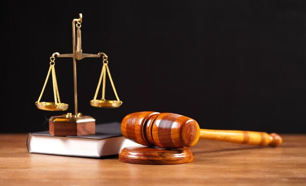 Em momento algum, importante que se diga, a lei ou o seu respectivo regulamento exigiram a prova ou comprovação da origem lícita do recurso