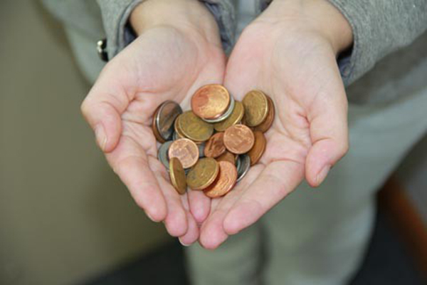 A doação do montante arrecadado é feita a cada seis meses e a cada ediçãocontempla uma entidade diferente.