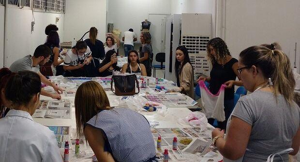 O bate-papo contará, também, com a participação da influenciadora digital e designer de Moda graduada pela Uniderp, Eliza Montes, que revelará sua experiência com a montagem do armário capsula