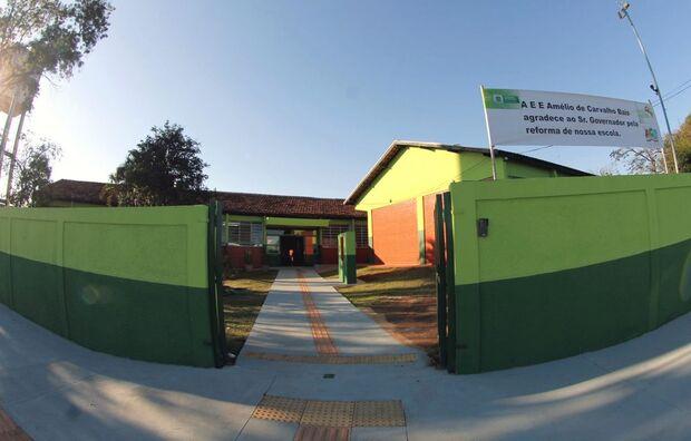 A reforma geral da Amélio de Carvalho Baís, com adequação de acessibilidade, foi no valor de quase R$ 1 milhão – recursos do FNDE -, beneficiando estudantes de Ensino Médio de Tempo Integral, além de professores, coordenadores e profissionais do setor adm