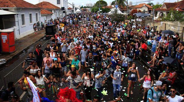 Além do reforço na proteção dos foliões, o Executivo cercará o monumento da Maria Fumaça e ampliará a área de isolamento para a realização do último dia de Carnaval