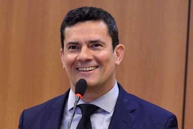 O acordo entre Maia e Bolsonaro contraria a avaliação de Moro ao apresentar o projeto, no mês passado. Na ocasião, disse que as duas propostas não eram incompatíveis