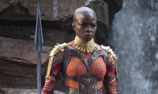 Por conta das críticas, a Marvel admitiu o erro e publicou um novo cartaz, dessa vez com o nome da atriz no topo