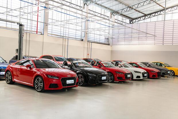 Os quase 200 presentes puderam testar modelos como os novos RS 4 Avant, RS 5 Coupé, RS 6 e R8, além de outros veículos icônicos da marca durante o evento
