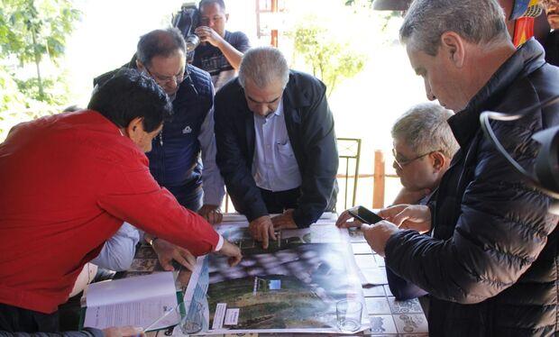 O governador ressaltou também o comprometimento do governo paraguaio e da Itaipu Paraguai em concluir em um curto espaço o processo licitatório para contratação da obra da ponte, que será financiada pela multinacional do vizinho país ao custo de 75 milhõe