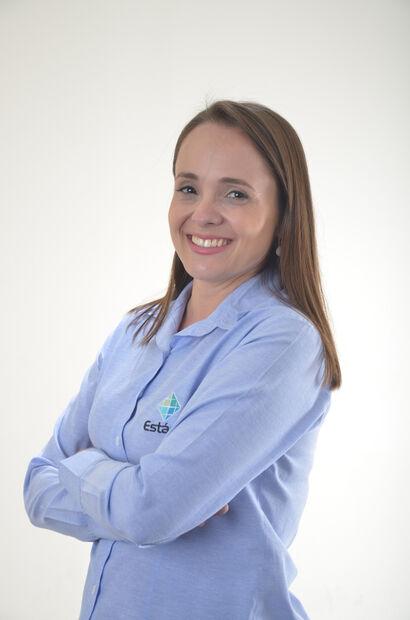 Cyntia Moreira Herkert - Enfermeira Mestre e professor do curso de Enfermagem da Faculdade Estácio Campo Grande