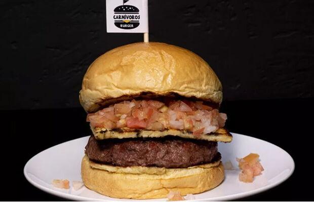 Churras Burger, do Carnívoros Burger, foi o vencedor no Bar em Bar 2019 na categoria Hamburgueria