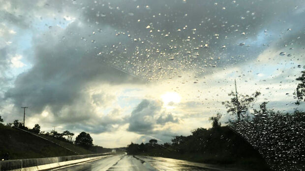 Devido as chuvas ocorridas em todo Estado durante a semana, a umidade relativa do ar ficará elevada durante a manhã podendo registrar 95%, porém a tarde pode chegar aos 30%