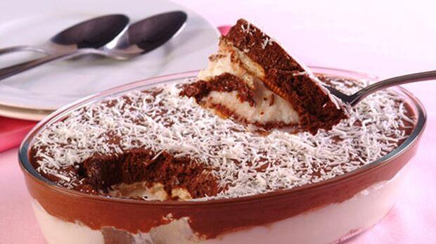 A famosa sobremesa de bolacha (ou biscoito) é deliciosa e não pode faltar na mesa nesse dia