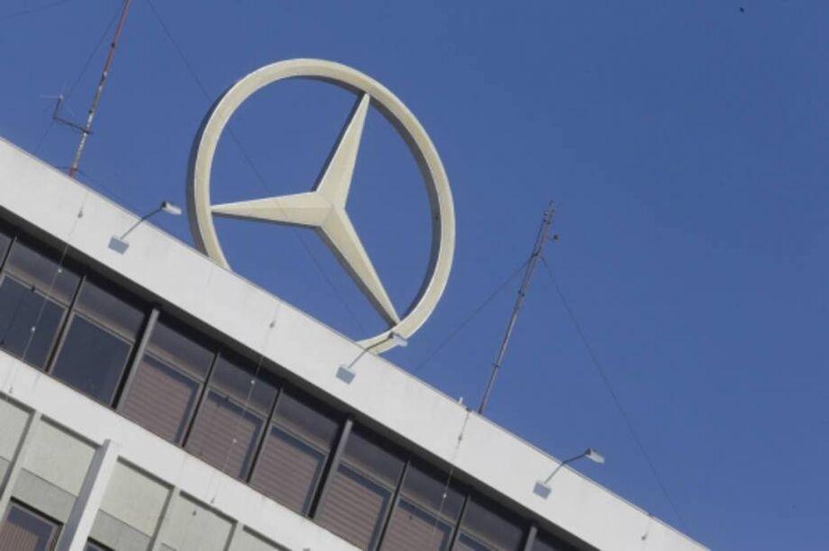 No dia em que completa 64 anos no Brasil, a Mercedes-Benz inaugurou nesta segunda-feira, 28, uma nova linha de produção de chassis de ônibus que recebeu investimentos de R$ 107 milhões