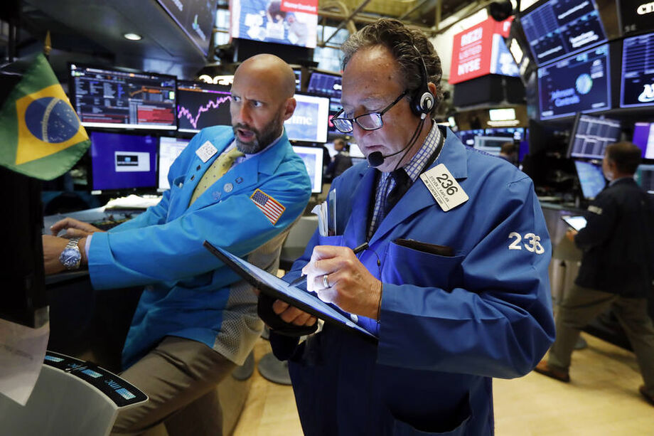 O índice Dow Jones recuou 0,48%, a 27.452,66 pontos