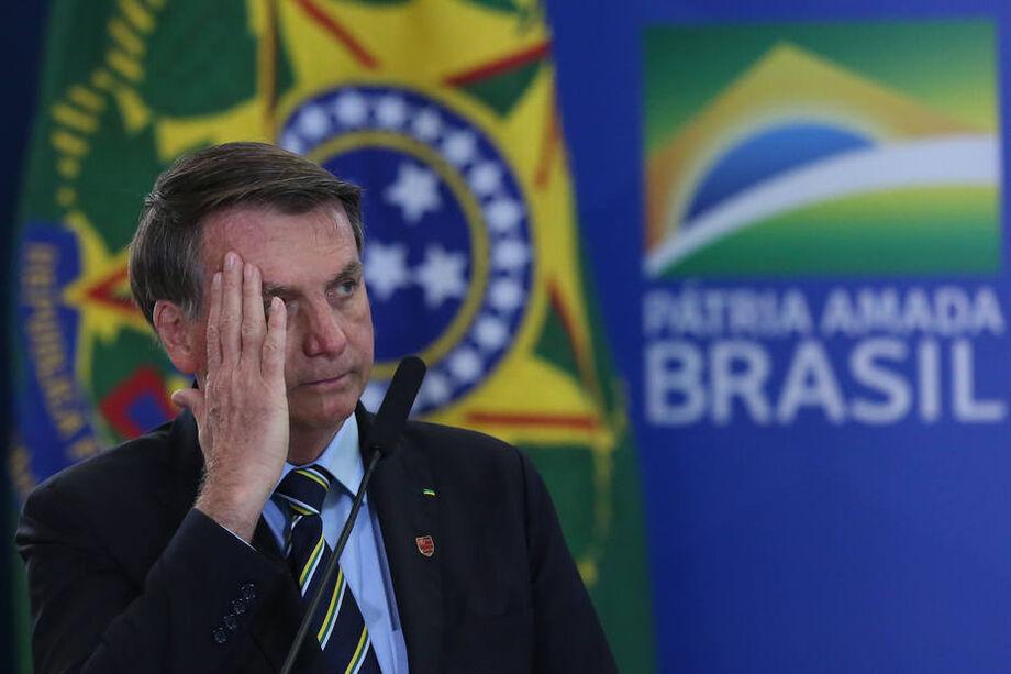 O presidente repetiu ainda que o novo valor de R$ 300 era muito para o Brasil e o seu endividamento