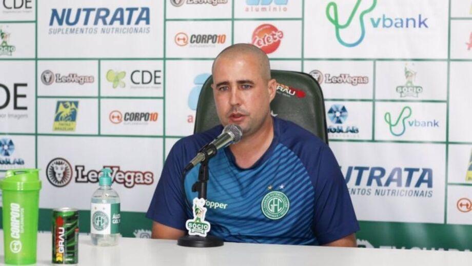 O técnico Ricardo Catalá, do Guarani